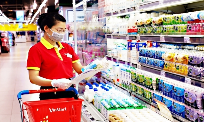 Retailers, foreigners may get Covid vaccination priority, one vendor latest patient in Hanoi