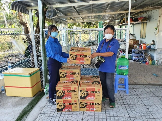 Special volunteers assist at Covid-19 frontline