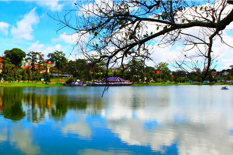 Top most scenic lakes in Vietnam