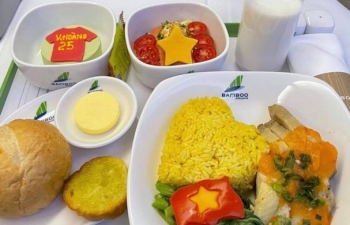Vietnamese football stars grateful for special in-flight meals