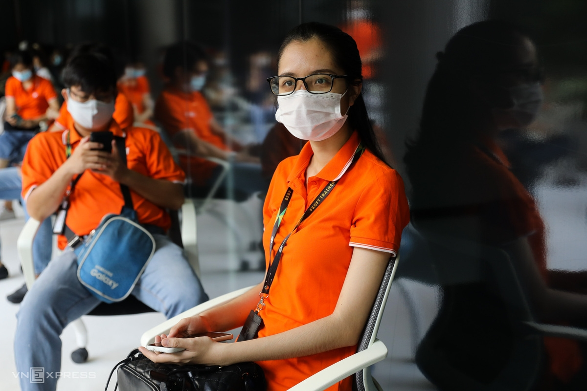 In photos: First 500 workers get Covid shots in Ho Chi Minh's biggest vaccine rollout