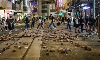 china threatens to retaliate agaisnt uk over uk citizenship plan for hong kong residents