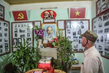 one of a kind ho chi minh memorial room in hanoian patriots house
