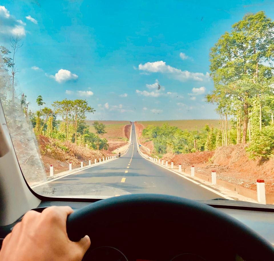 marvelous plus thrilling road to the horizon in vietnams central highlands