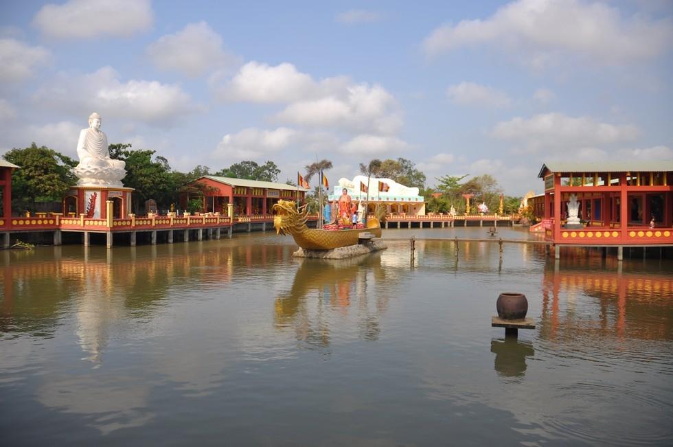 Quan Am Linh Ung pagoda