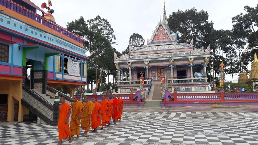 Sro lon Pagoda