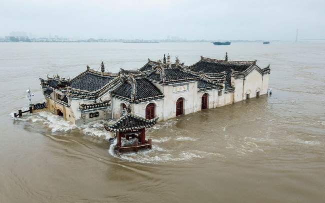China massive flood updates: Yangtze River hit by third flood, Three Gorges Dam suffers more pressure