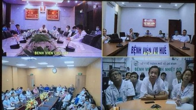 Vietnamese top medical experts and doctors joined in an online meeting to discuss the treatment for the British pilot
