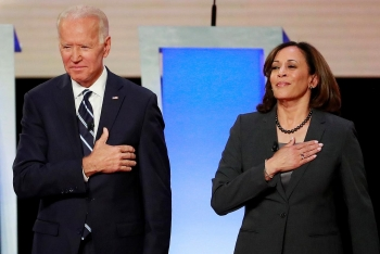 world breaking news today august 12 joe biden chooses senator kamala harris for white house running mate