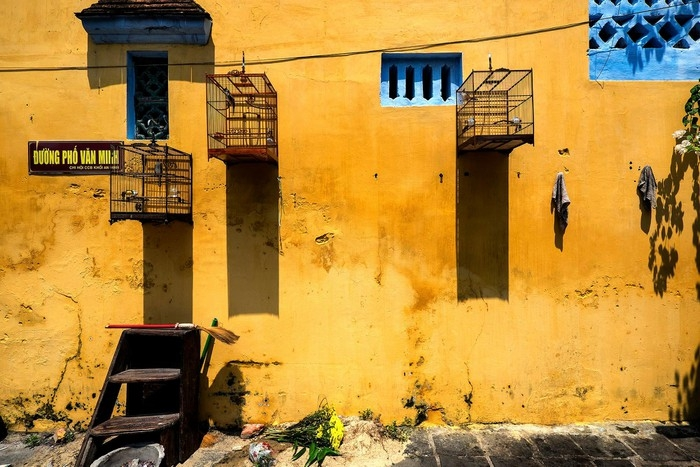 Bright yellow walls can easily be seen across the ancient town. The color is hailed one typical hue of Hoi An