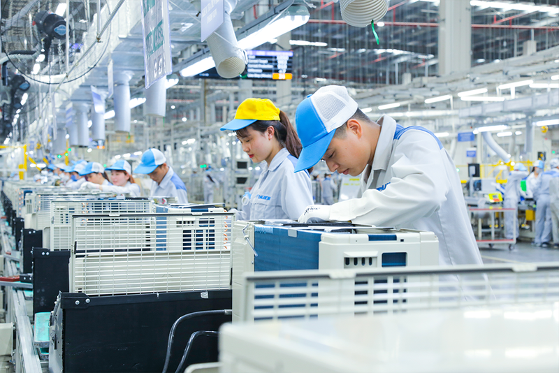 120,000 laborers in Vietnam's Southern Metropolis unemployed amidst COVID-19 resurgence