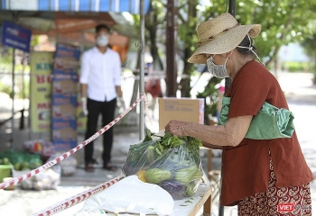 zero dong food stores for covid 19 stricken people in da nang