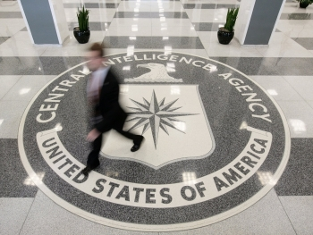 world breaking news today august 18 former cia officer charged with selling us secrets to china