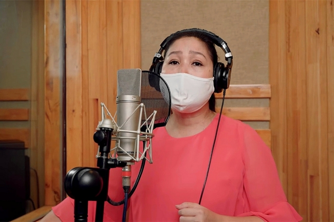 Vietnamese artists promote COVID-19 fight through motivating music video