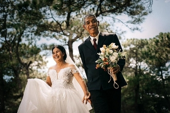 sweet wedding photos of an vietnamese ethnic couple in their 80s