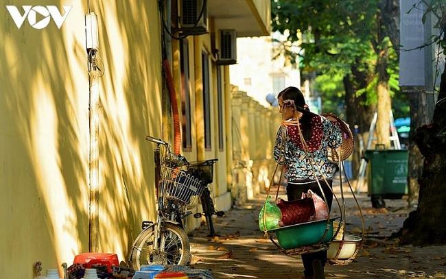 Street vendors, an enduring cultural beauty of Hanoi