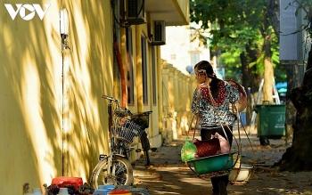 street vendors an enduring cultural beauty of hanoi
