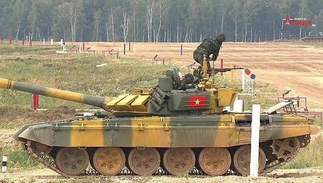 Vietnam tank crew finishes first in 2020 Tank Biathlon's qualifying match