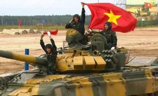 In pictures: Vietnam's impressive shooting performance in 2020 Tank Biathlon's qualifying match