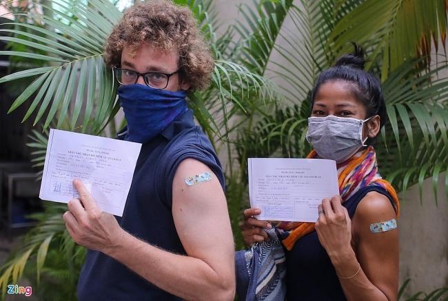 Expats in Vietnam Show Appreciation for Covid Vaccines