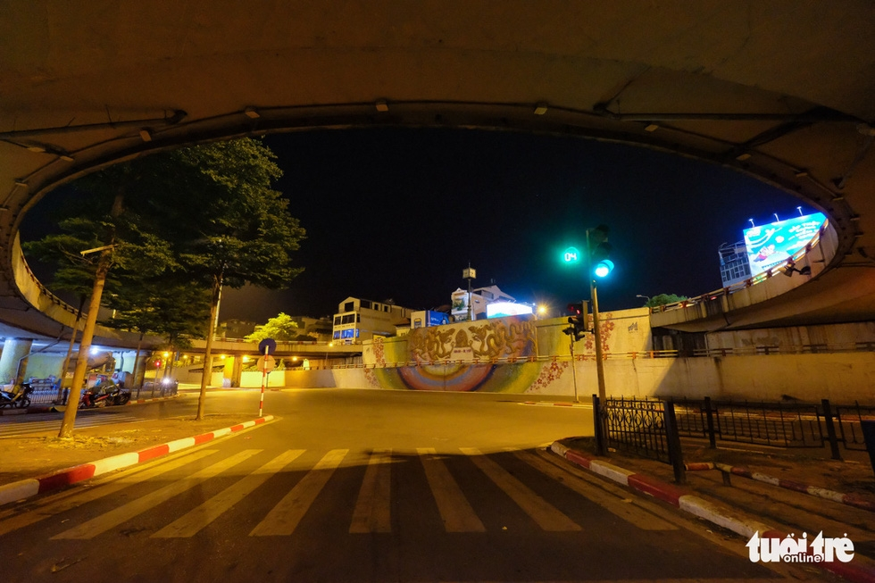 Week 3 of Hanoi Lockdown: Capital Left Deserted Amid Social Distancing