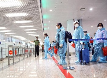 Foreign Ministry Clarifies Entry Policies for Fully Inoculated Arrivals