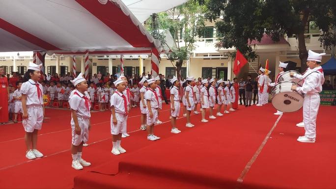 millions of vietnamese students start new school year in unprecedented ceremony