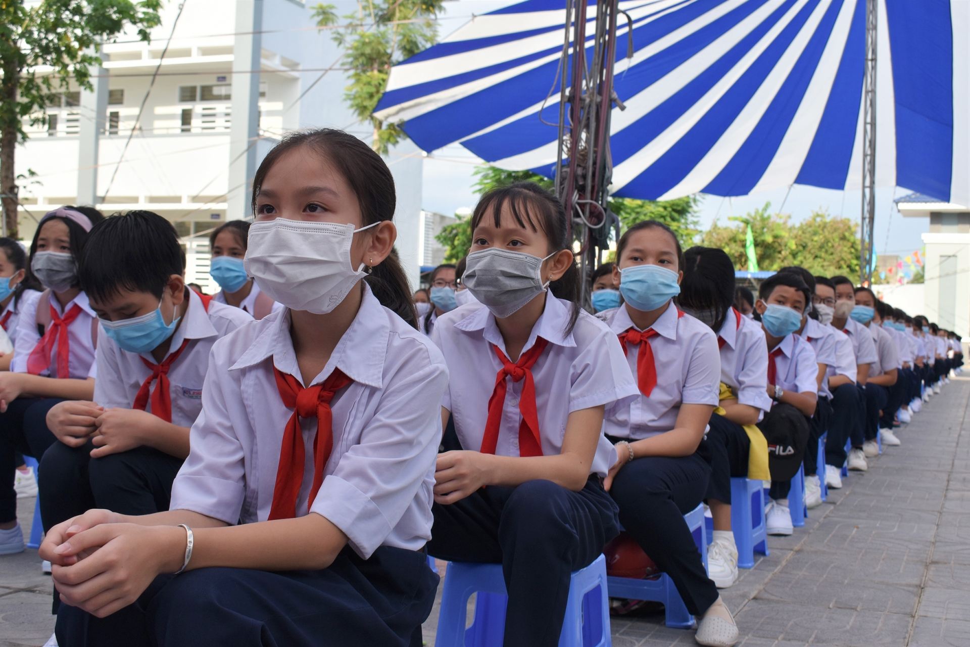 23 million students across Vietnam attend back-to-school ceremony this morning