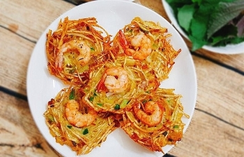 must try street food in the touch of autumn in hanoi