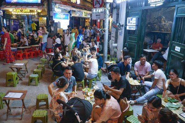 hanoi pedestrian street and old quarter resume activities after covid 19 restriction