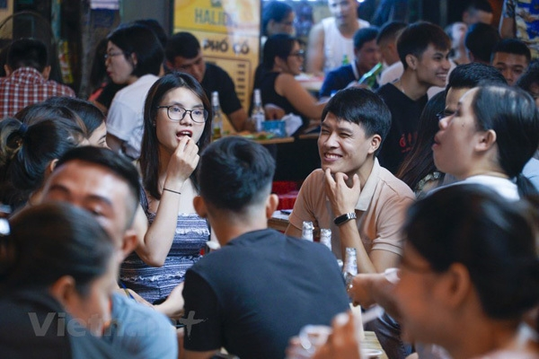 Hanoi pedestrian street and Old Quarter resume activities after COVID-19 restriction