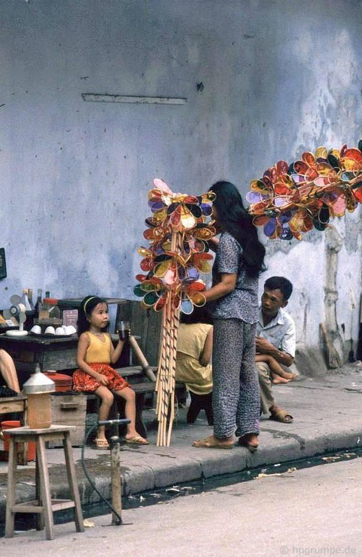 visual memories of mid autumn decades ago in rare color photos