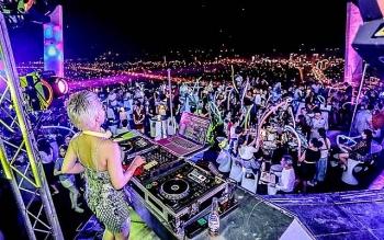 Dance clubs, karaoke parlors greenlighted for resumption in Da Nang
