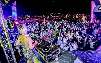 dance clubs karaoke parlors greenlighted for resumption in da nang