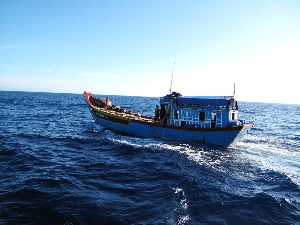 500 hours afloat with fishermen: Part 1, Stormy adventure
