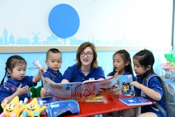 vietnam schools generously invest in flights to bring back foreign teachers
