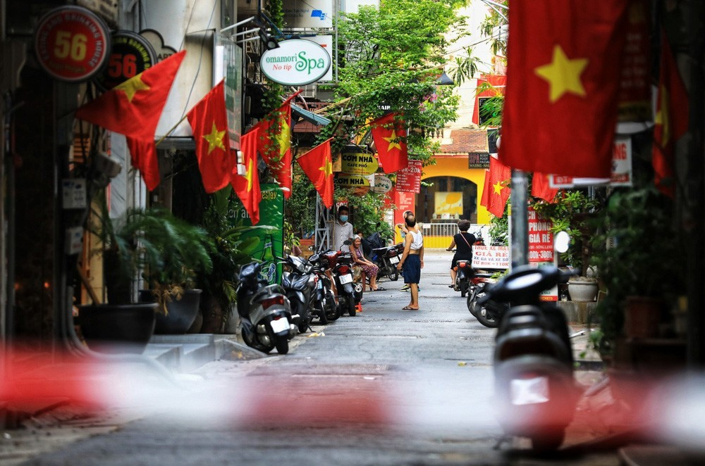 Hanoi Adorned with Red Flags on National Day