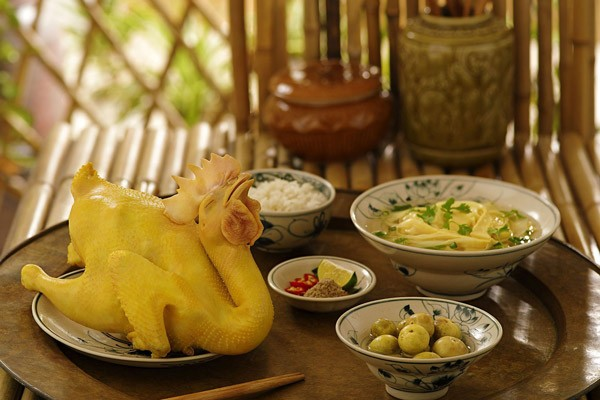 Recipe for Boiled Chicken, A Simple yet Unique Taste of Vietnamese food