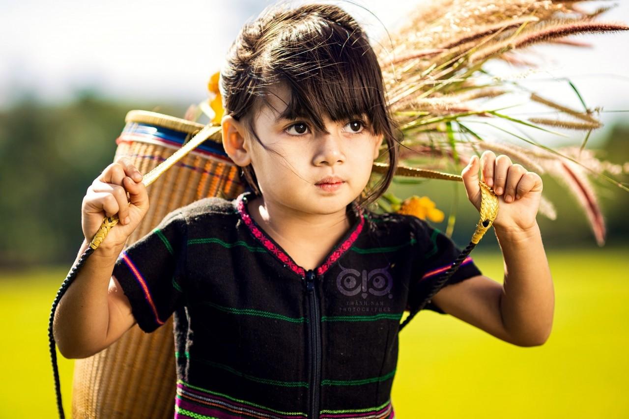 Baby Girl with 'Pleiku Eyes' Stunts Netizens