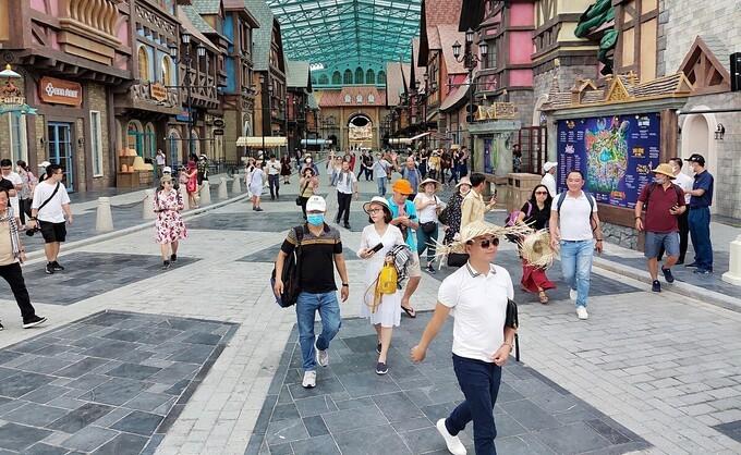Vietnam to Stimulate Domestic and International Tourism