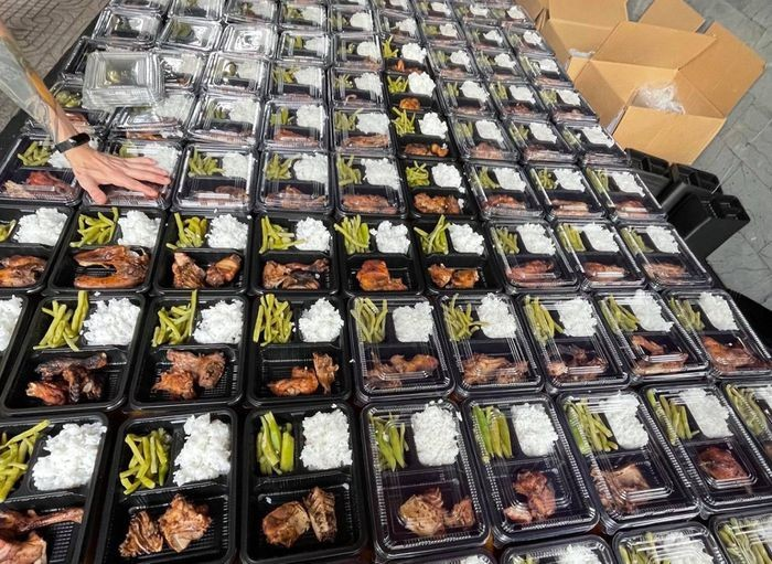 Expat Family Caters Thousands of Free Meals to Field Hospitals