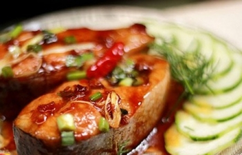 Must-know Recipe for Vietnamese Braised and Caramelized Catfish - Video