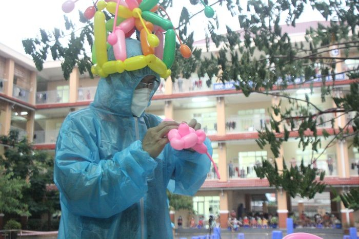 Celebrating Mid-Autumn Festival While Combating the Virus