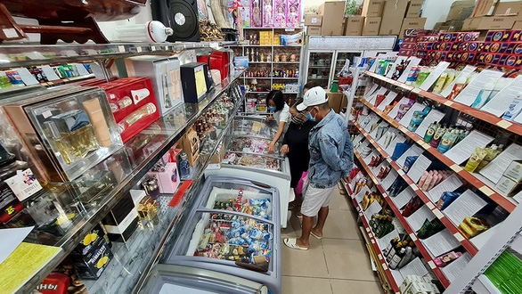 foreign markets in ho chi minh city witness gloomy days