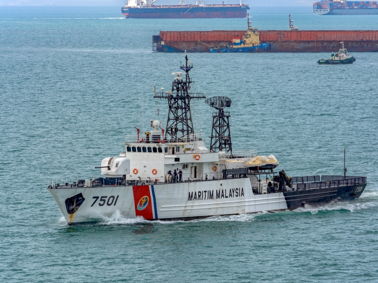 malaysias maritime detains 60 chinese nationals 6 vessels for trespassing