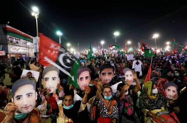 Tens of thousands of opposition supporters rallied on Sunday in the city of Karachi as part of a campaign to oust Pakistan's Prime Minister Imran Khan