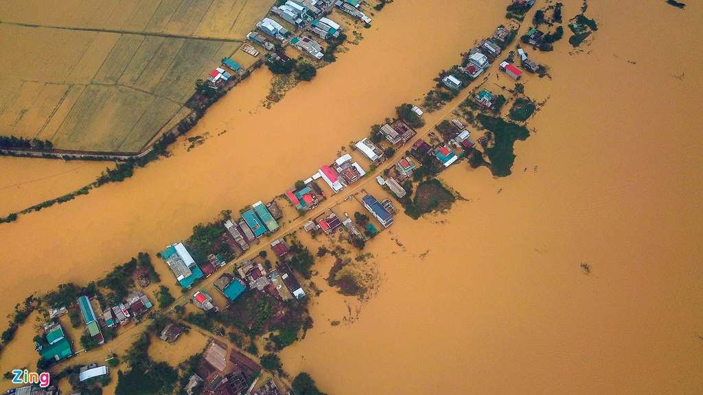 Flood in Central Vietnam: death toll soars to 111, another 22 missing