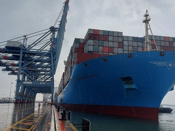 Cai Mep port welcomes world's largest container ship
