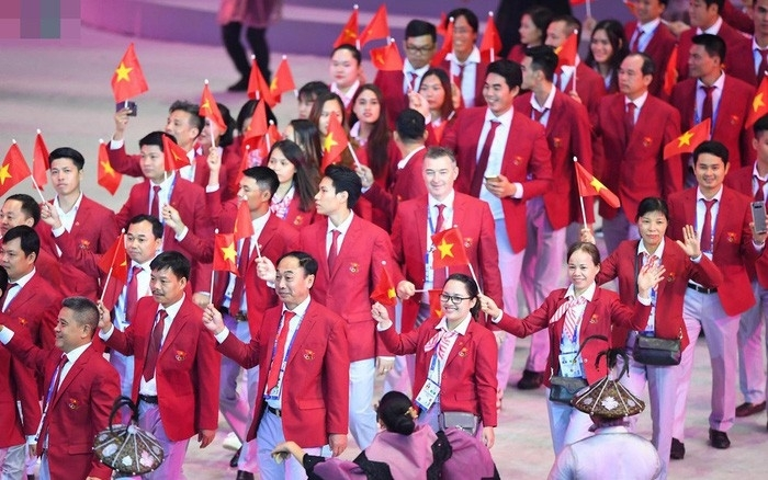 The Vietnamese sports delegation march during the opening ceremony of the 30th SEA Games in the Philippines last year. (Photo: VOV)