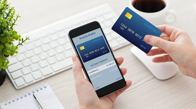 Vietnamese banks allowed to use e-wallets for international payments
